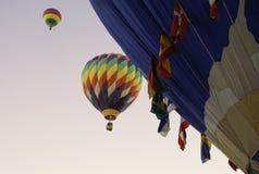 Volando su nel primo mattino Immagini Stock Libere da Diritti