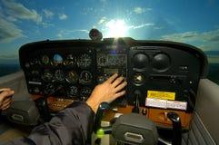 Volando in The Sun Immagini Stock Libere da Diritti