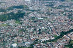 Volant à San Jose, Costa Rica Image libre de droits