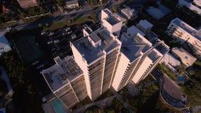 Volant au-dessus des plages de la plage du sud, Miami, la Floride banque de vidéos