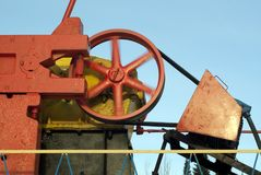 Volant de rotation de pumpjack d'huile Photographie stock