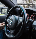 Volante BMW 5 séries Fotos de Stock Royalty Free