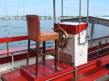 Volante de um barco de pesca típico Foto de Stock