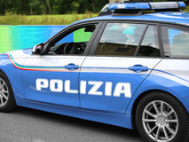 Volante della polizia italiano con POLIZIA scritto grande con le sirene blu Immagini Stock Libere da Diritti