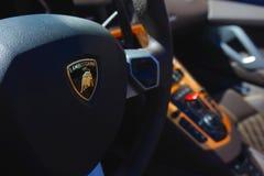Volante di Lamborghini Aventador fotografie stock