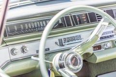 volante y tablero de instrumentos Fotos de archivo