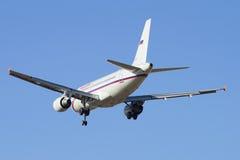 Volar el Airbus A319-111 (VP-BIT) de la línea aérea Rusia imagen de archivo