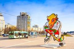 Volat, a mascote oficial do campeonato mundial de 2014 IIHF, Foto de Stock