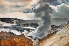 Volcán activo Fotos de archivo