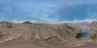 Volcán activo con el cráter Bromo, Jawa, Indonesia vr360 metrajes