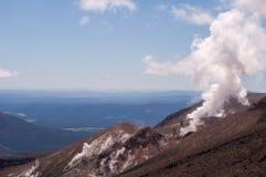 Volcán activo de la fumarola Foto de archivo libre de regalías