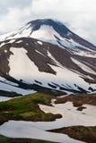 Volcán activo del sopka- de Avachinskaya en Kamchatka Imagenes de archivo