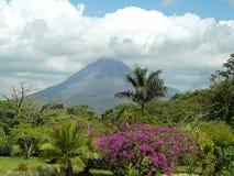 Volcán de Arenal Fotos de archivo libres de regalías