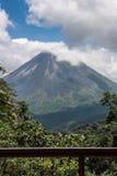 Volcán de Arenal en Costa Rica Foto de archivo