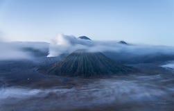 Volcán de Bromo en el parque nacional de Tengger Semeru, Java Oriental, Indone Imagen de archivo libre de regalías