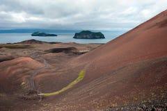 Volcán de Eldfell en la isla de Heimaey Fotografía de archivo