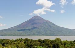 Volcán de Managua del lago escénico Foto de archivo