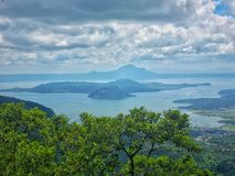 Volcán de Taal en Filipinas Foto de archivo