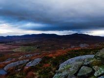Volcán el dormir en las montañas escocesas Fotos de archivo
