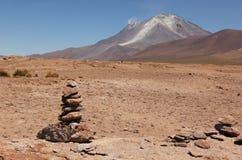 Volcán en el boliviano Altiplano foto de archivo libre de regalías