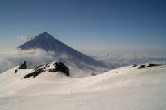Volcán en invierno Fotos de archivo