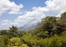 Volcán en paraíso imagen de archivo