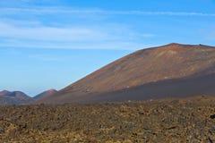 Volcán en parque nacional del timanfaya en Lanzarote Fotos de archivo libres de regalías
