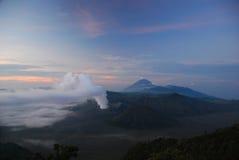 Volcán Indonesia de Bromo cerca del bromo Fotografía de archivo libre de regalías