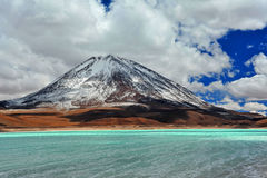 Volcan利坎卡武尔火山 库存图片
