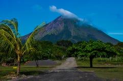Volcan康塞普西翁角, Isla奥梅特佩岛,尼加拉瓜 免版税图库摄影