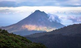 Volcan Arenal royalty-vrije stock afbeeldingen