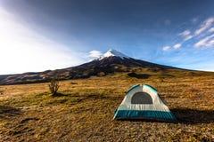 Volcan Cotopaxi an der Dämmerung Stockfotografie