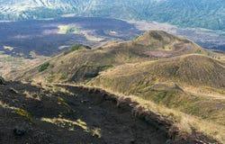 Volcan de Batur et vue panoramique de montagne d'Agung au lever de soleil de Kintamani photographie stock libre de droits