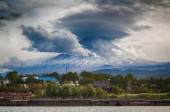 Volcan de Klyuchevskoy, le Kamtchatka photographie stock libre de droits