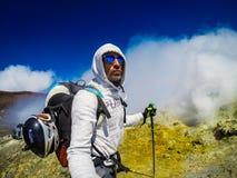 Volcan de l'Etna de support dans l'action l'Italie, Sicilia Images stock