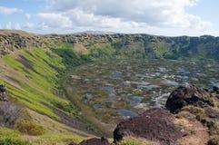 Volcan de milliers d'UCI de Rano, île de Pâques (Chili) Image libre de droits