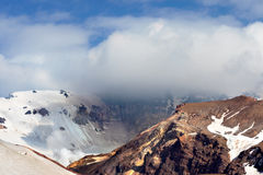 Volcan de Mutnovskiy, Russie image libre de droits