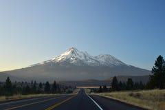 Volcan de Shasta de bâti Image libre de droits