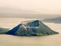 Volcan de Taal chez les Philippines Photo libre de droits
