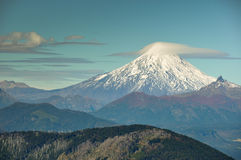Volcan从Santuario观看的维利亚里卡火山El Cani,在Pucon附近,池氏 免版税库存图片
