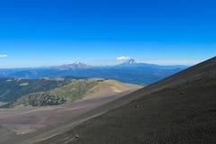 Volcan skłon zakrywający z popiółem Fotografia Royalty Free