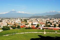 Volcanes de Popocatepetl y de Iztaccihualtl Imágenes de archivo libres de regalías