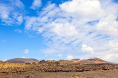 Volcanes famosos del parque nacional de Timanfaya Fotos de archivo libres de regalías