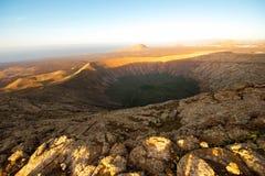 Volcano Caldera Blanca på den Lanzarote ön royaltyfri fotografi