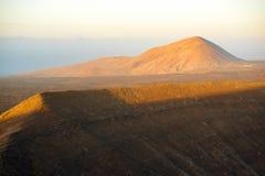Volcano Caldera Blanca på den Lanzarote ön royaltyfria bilder