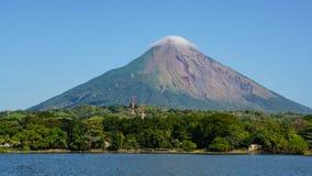 Volcano Concepcion na ilha de Ometepe em Nicarágua foto de stock