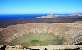 Volcano Crater à Lanzarote, Espagne Photographie stock libre de droits