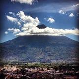 Volcano de Agua在危地马拉 库存照片