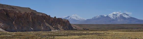 Volcano Guallatiri nel parco nazionale di Lauca, Cile fotografia stock