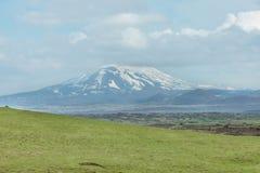 Volcano Hekla täckte med snö, södra Island Royaltyfri Foto